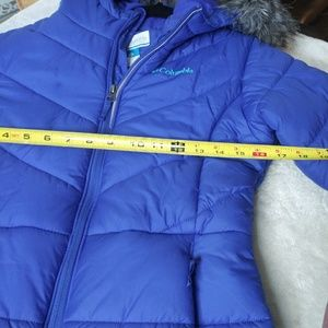Columbia Puffer Jacket with Fur Hood/ Girls Large
